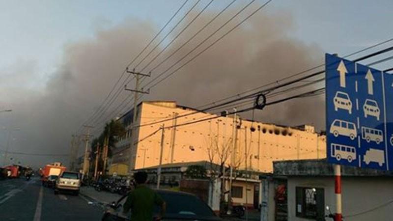 Diễn biến mới vụ cháy ở Cần Thơ: Lửa đang bùng trở lại - ảnh 3