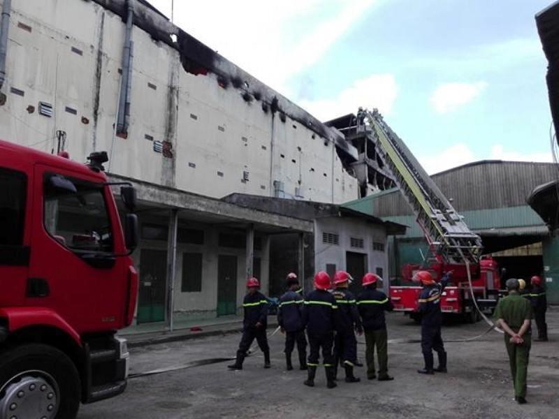 Diễn biến mới vụ cháy ở Cần Thơ: Lửa đang bùng trở lại - ảnh 11