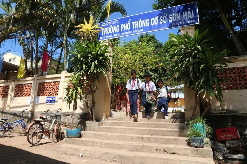 'Xóa bóng đêm' cho hơn 3.040 hộ dân ở đảo Kiên Giang  - ảnh 3