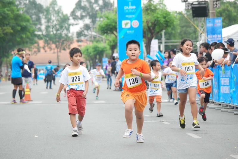 HCMC Marathon 5 - Chạy kết nối gia đình và cộng đồng - ảnh 4