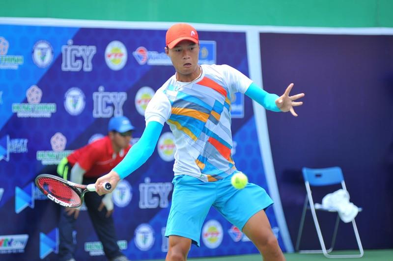 Tay vợt Phạm Minh Tuấn rơi nước mắt lên ngôi vô địch - ảnh 2