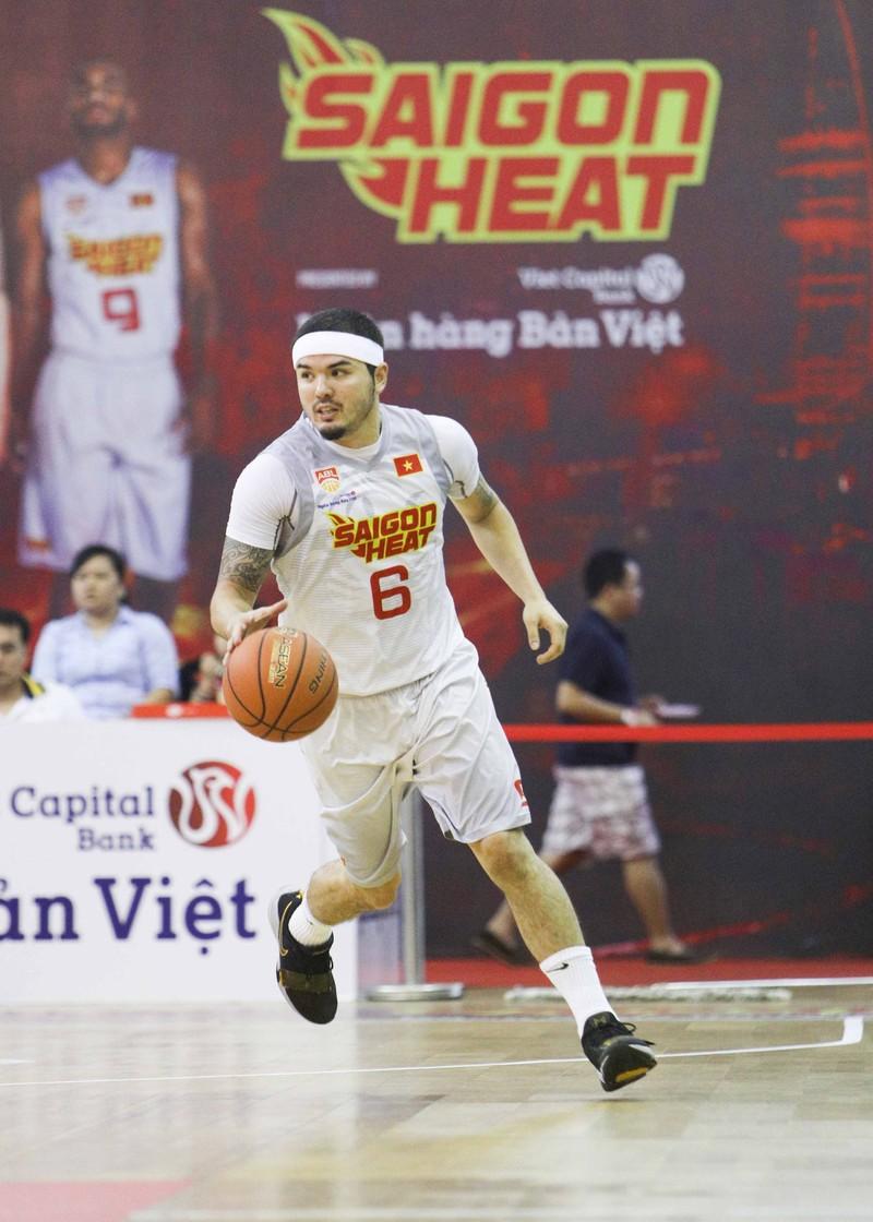 Việt Arnold bỏ ngỏ suất dự giải bóng rổ chuyên nghiệp VN 2018 - ảnh 1