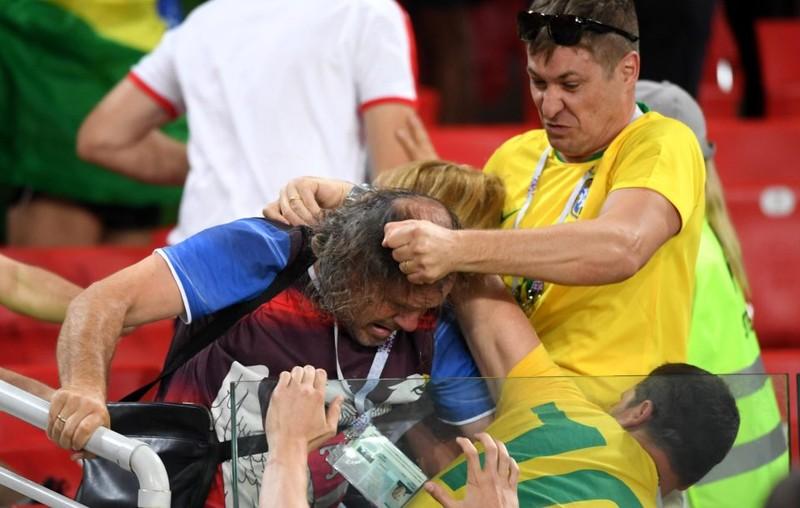 Fan Brazil hỗn chiến với Serbia trên khán đài Spaktar - ảnh 1