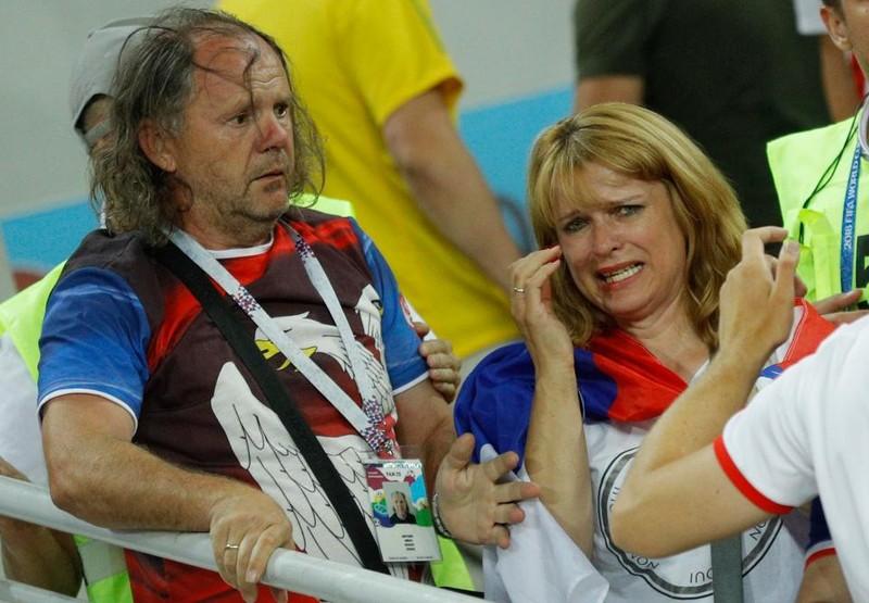 Fan Brazil hỗn chiến với Serbia trên khán đài Spaktar - ảnh 4