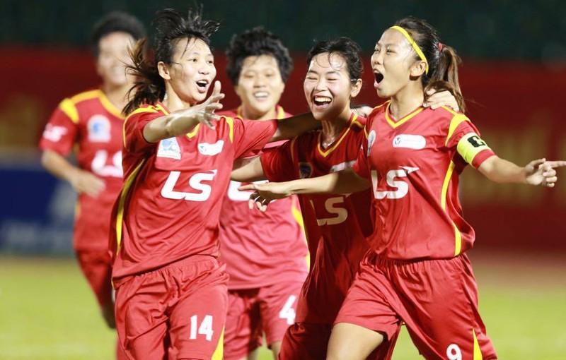 Ẩu đả sau trận thắng đưa TP.HCM I vào chung kết bóng đá nữ - ảnh 3