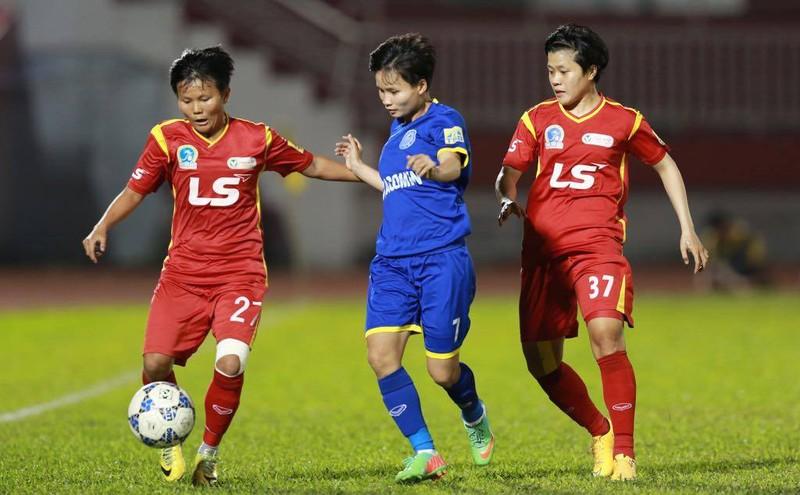 Ẩu đả sau trận thắng đưa TP.HCM I vào chung kết bóng đá nữ - ảnh 2