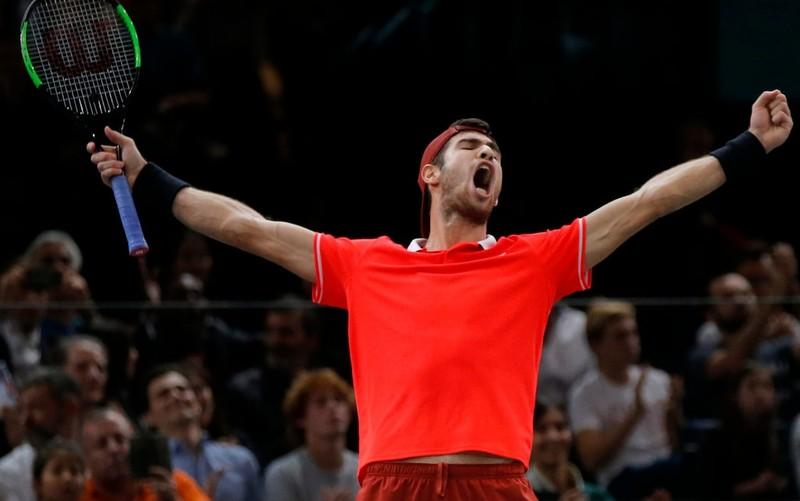 Khachanov 'gieo sầu' ngày Djokovic lên ngôi số 1 thế giới - ảnh 1
