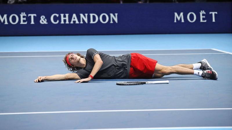 Cách nào Zverev hạ được Djokovic, đăng quang ATP Finals? - ảnh 2