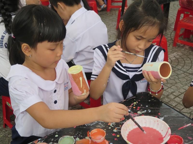 Trò tiểu học thích thú với ngày hội trò chơi dân gian - ảnh 15