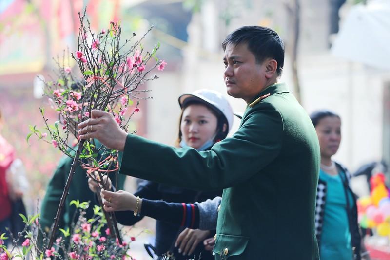 Chợ hoa Hàng Lược nhộn nhịp những ngày giáp Tết - ảnh 4