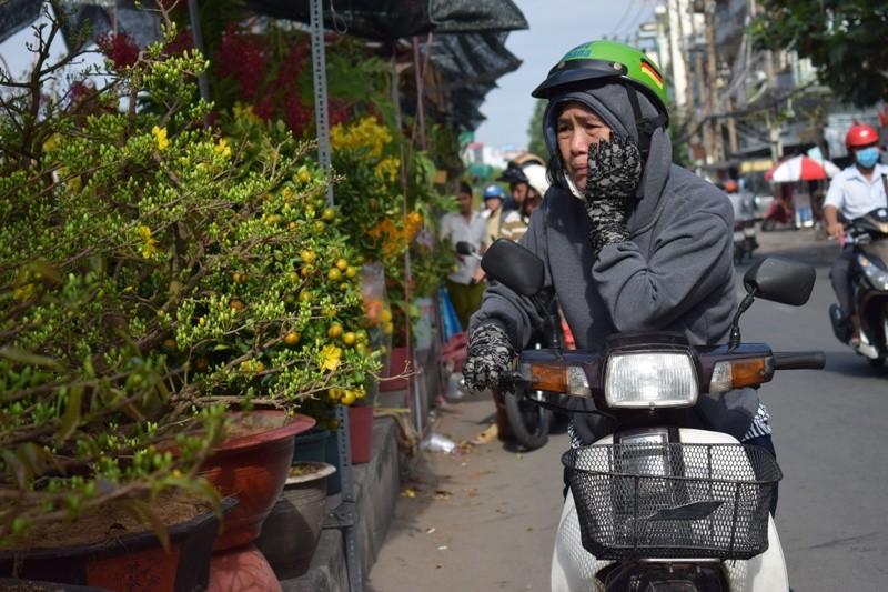 Bến Bình Đông: Hoa tươi, người héo - ảnh 11