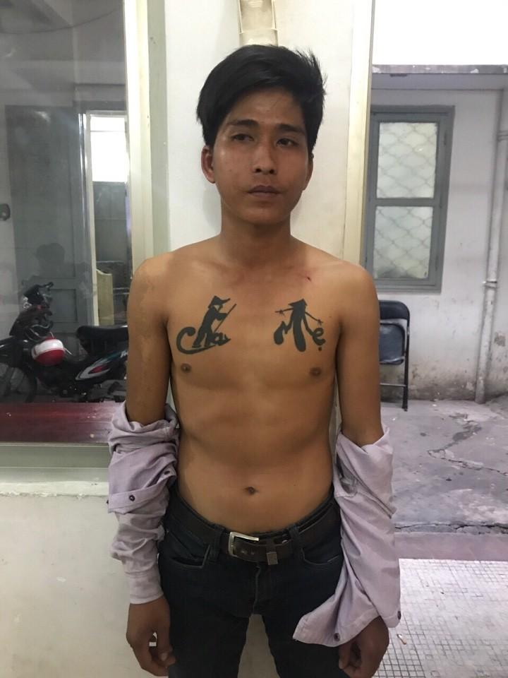 Nam thanh niên xăm hình cha mẹ trên ngực đi cướp giật  - ảnh 1
