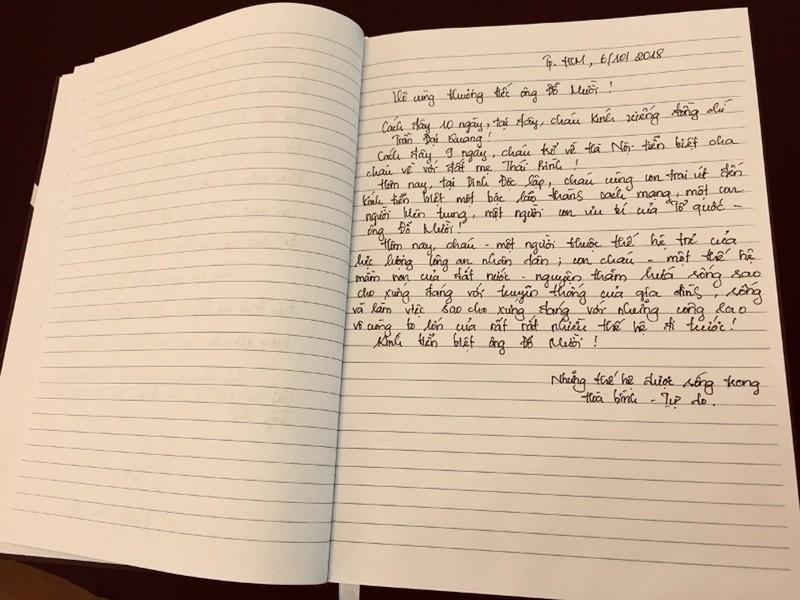 Những lời viếng giản dị trong sổ tang cố Tổng bí thư Đỗ Mười - ảnh 9