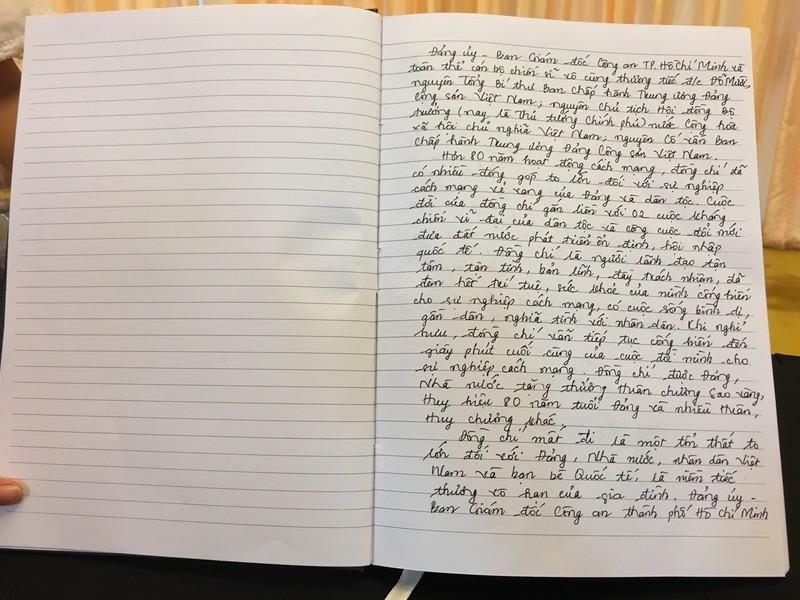 Những lời viếng giản dị trong sổ tang cố Tổng bí thư Đỗ Mười - ảnh 2