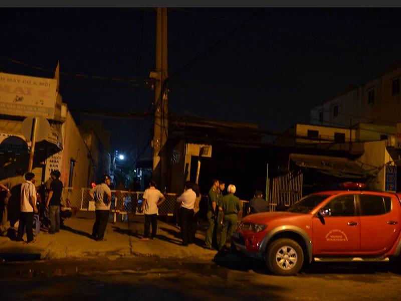 Vụ cháy trại hòm: 4 nạn nhân ôm nhau nằm cùng một chỗ  - ảnh 1