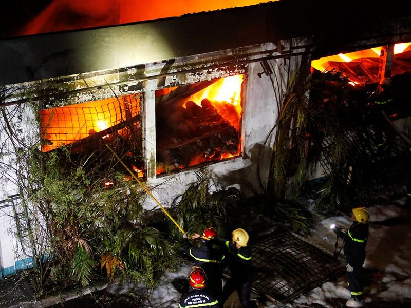 Toàn cảnh vụ cháy dữ dội trong KCN Tân Bình  - ảnh 16