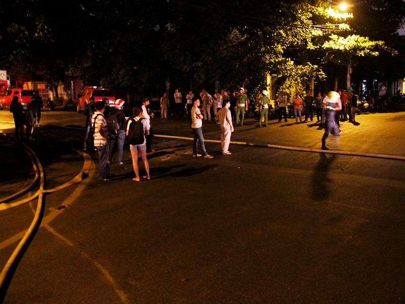 Toàn cảnh vụ cháy dữ dội trong KCN Tân Bình  - ảnh 7