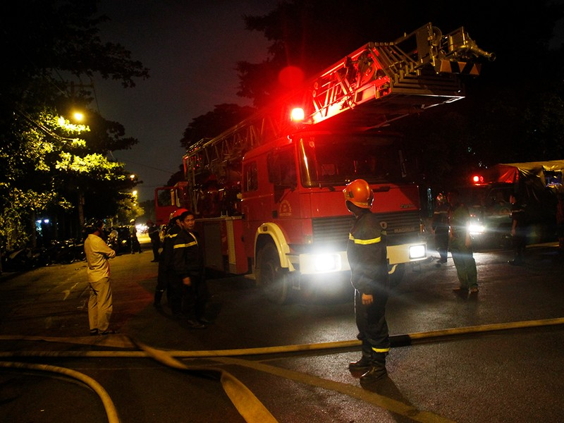Toàn cảnh vụ cháy dữ dội trong KCN Tân Bình  - ảnh 3