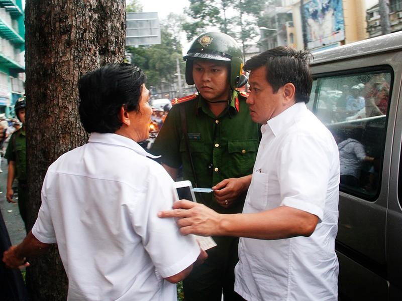 Để vỉa hè bầy hầy, Phó chủ tịch bị ông Hải điều chuyển - ảnh 3