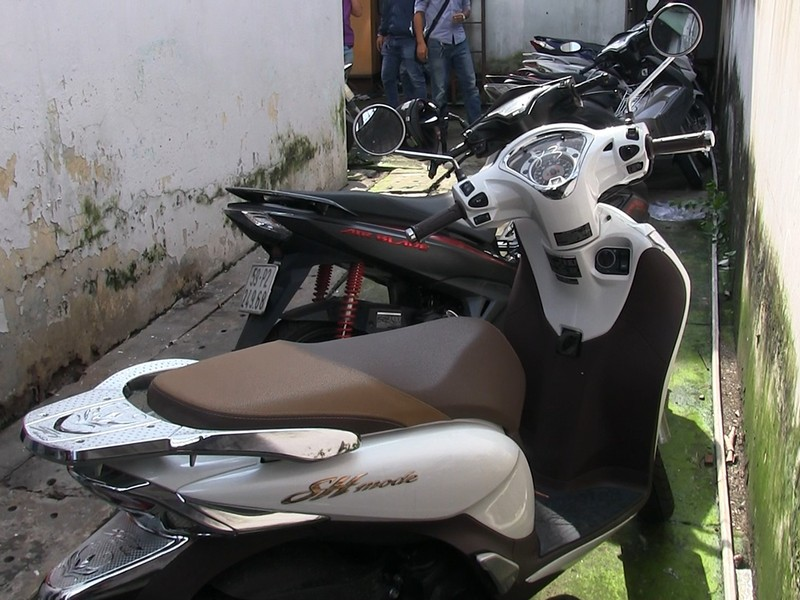 Băng trộm công nghệ cao chuyên đá nóng xe SH ở Sài Gòn - ảnh 3