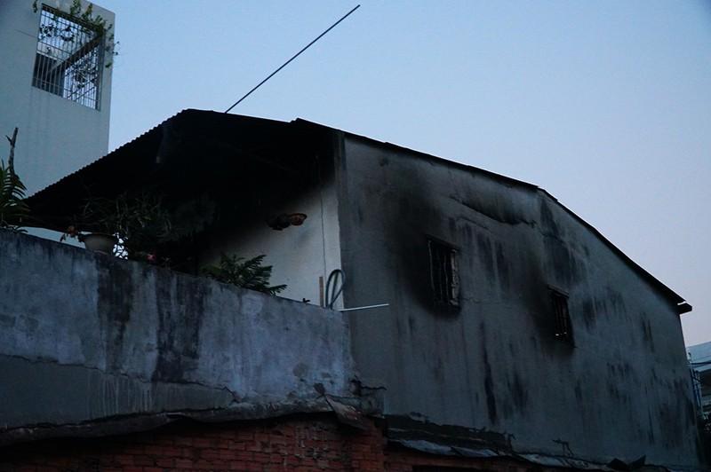 Cháy nhà ở Gò Vấp, 2 bà cháu thoát chết - ảnh 1