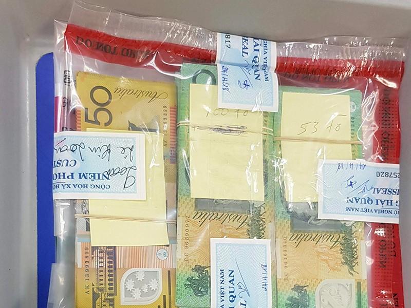 Lén mang hàng ngàn đô Úc qua Tân Sơn Nhất nhưng không thoát - ảnh 1