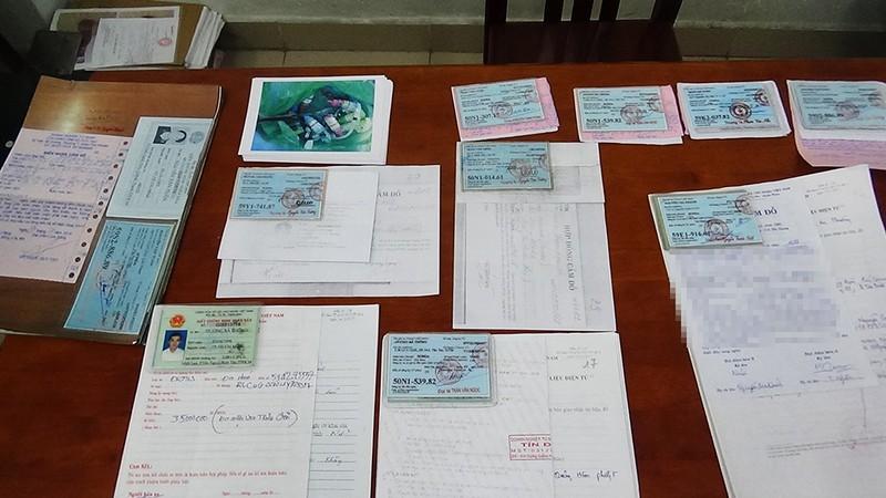 Đường dây làm giả giấy tờ xe ăn trộm lừa tiệm cầm đồ - ảnh 5