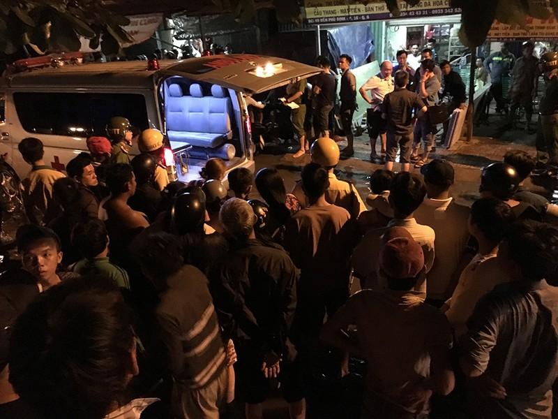 Thanh niên chạy xe bị đâm chết ngay trên đường Bến Phú Định - ảnh 1