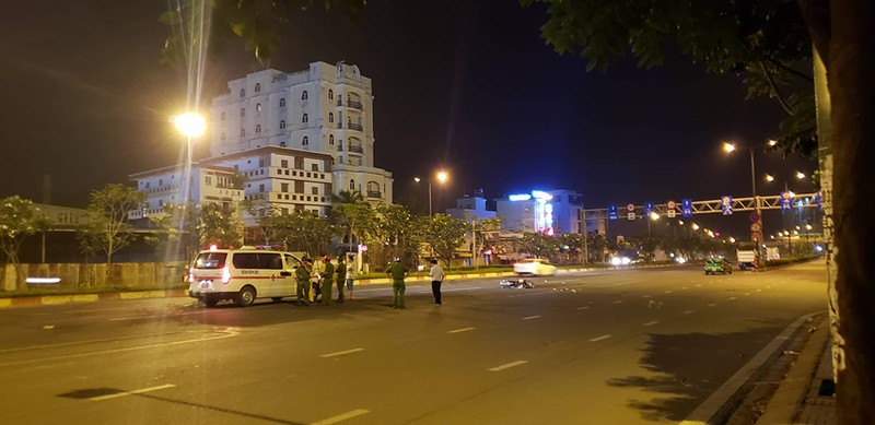 Liên tiếp tai nạn trên đường Phạm Văn Đồng, 3 người bị thương - ảnh 2