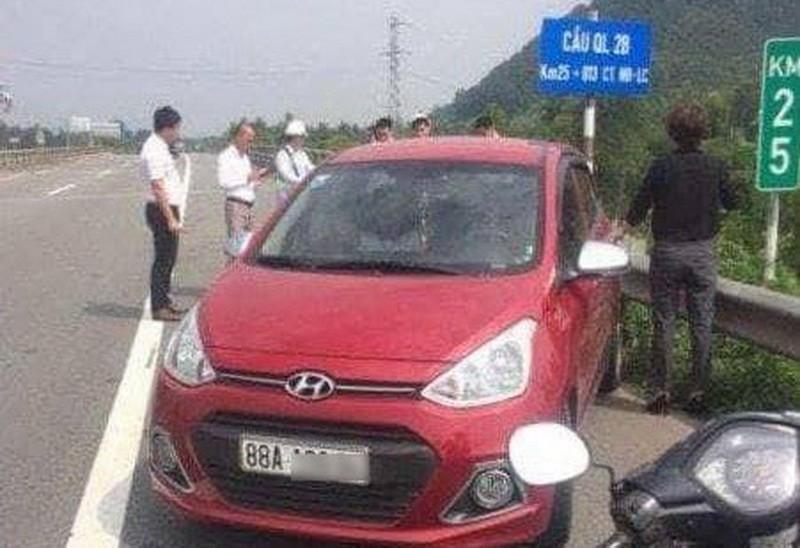 Nữ tài xế liều mạng lái ô tô ngược chiều trên cao tốc - ảnh 1