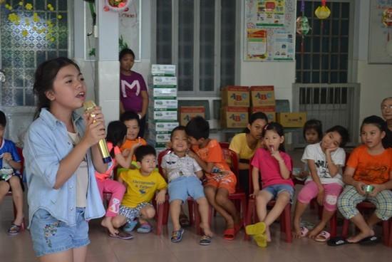 Gia đình kẹo ngọt Hoàng Mèo vui Trung thu với em nhỏ - ảnh 5
