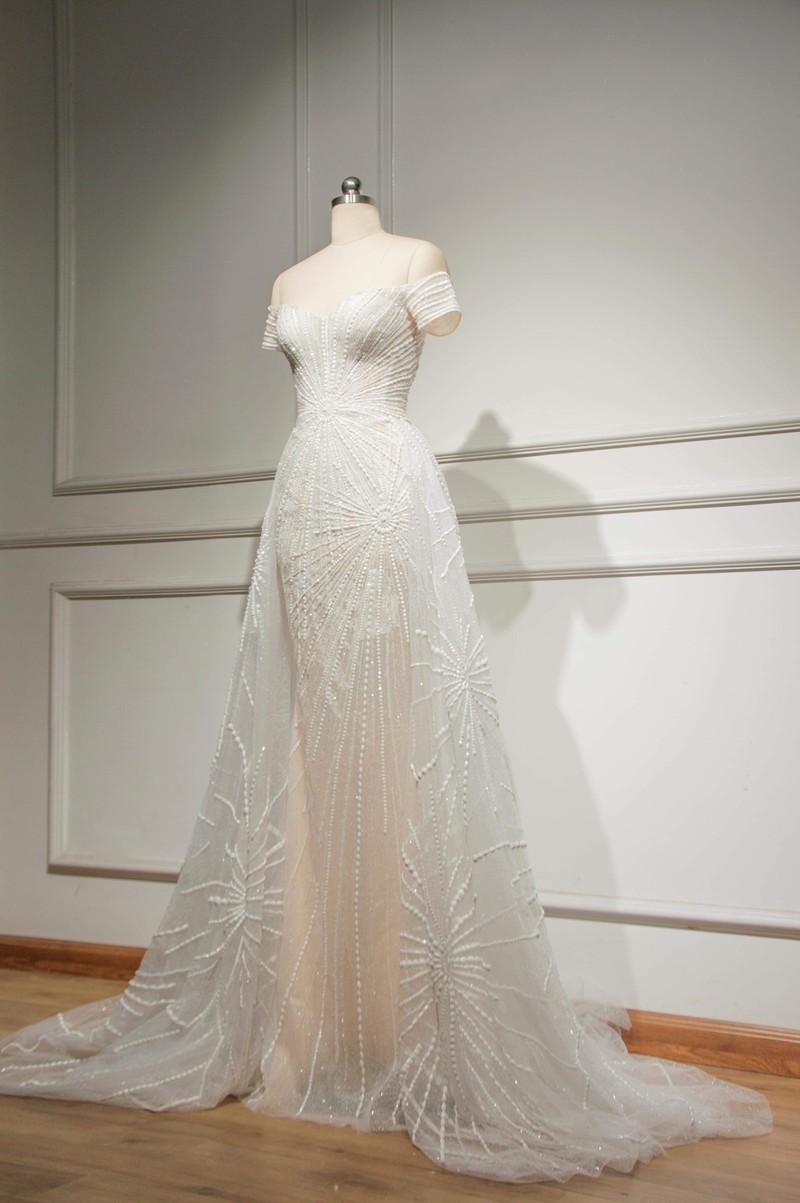 Lộ diện chiếc đầm đêm chung kết của hoa hậu Tiểu Vy - ảnh 2