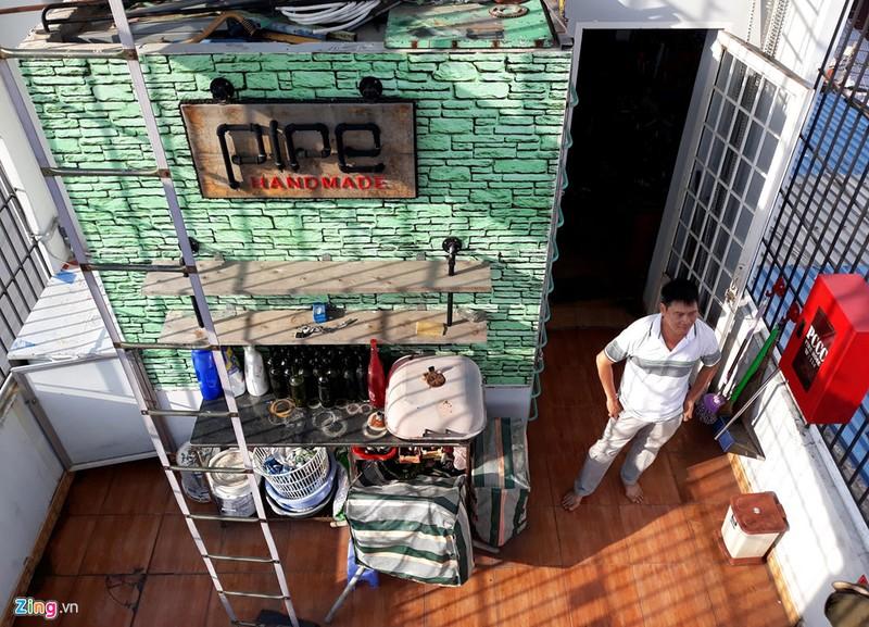 Ngôi nhà đặc biệt với nội thất làm từ 10.000 chai thủy tinh - ảnh 3
