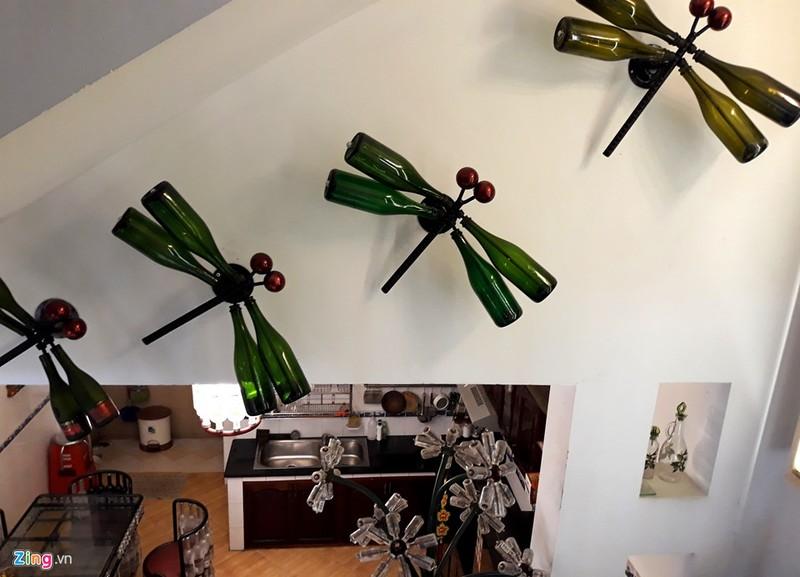 Ngôi nhà đặc biệt với nội thất làm từ 10.000 chai thủy tinh - ảnh 4