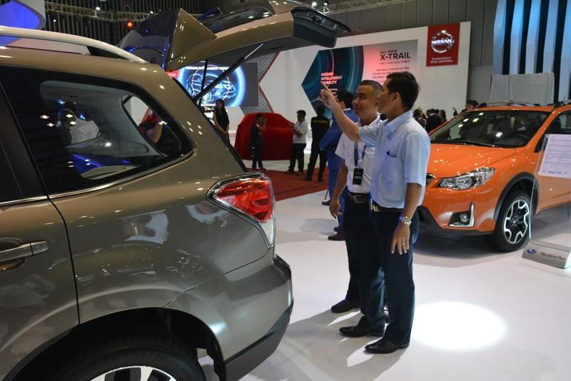 Cú lao dốc không phanh của thị trường ô tô   - ảnh 1