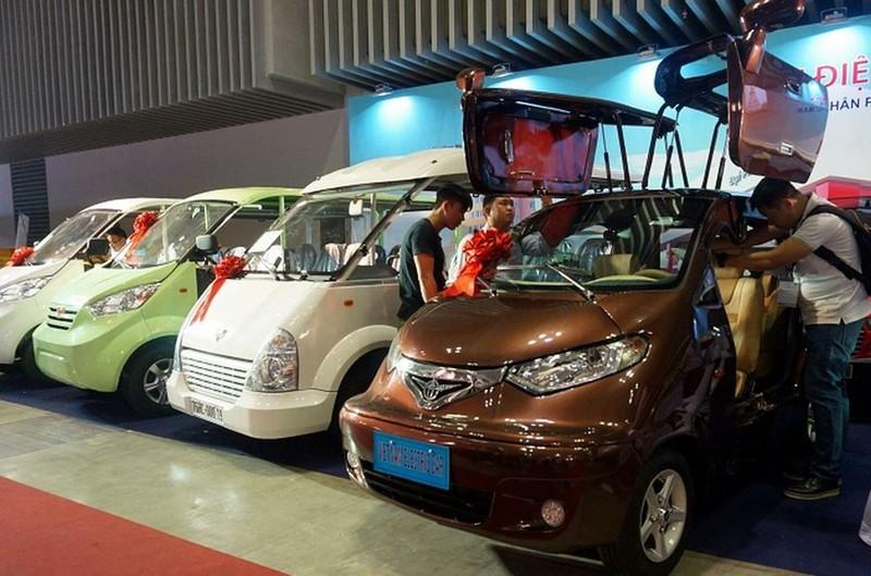 Ô tô điện 'made in' Việt Nam hút khách tại triển lãm quốc tế - ảnh 1