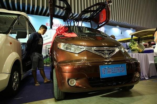 Ô tô điện 'made in' Việt Nam hút khách tại triển lãm quốc tế - ảnh 3