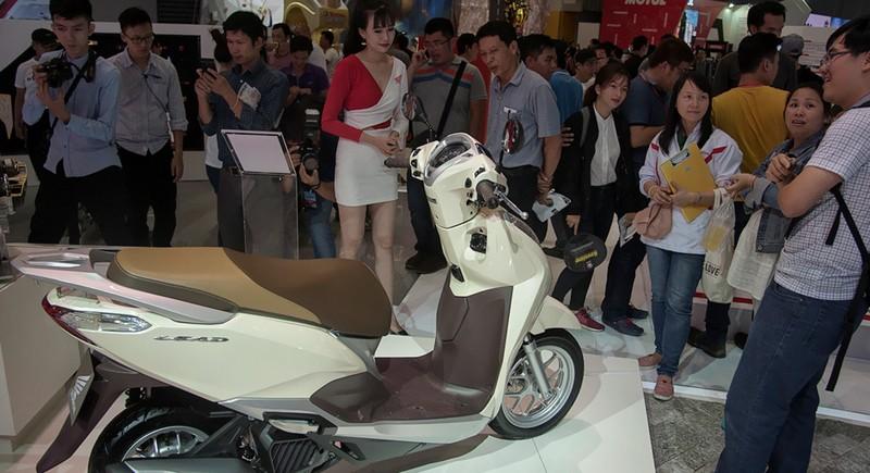 5 đại gia 'hốt bạc' nhờ người Việt vẫn tăng mua xe máy - ảnh 1