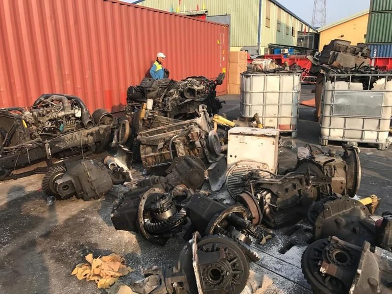 """Hải quan thông báo tìm chủ của hơn 3.000 container """"rác"""" - ảnh 1"""