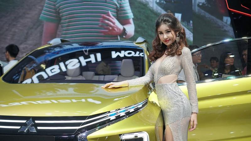 'Mất' 5.600 tỉ đồng vì ô tô nhập khẩu miễn thuế - ảnh 1