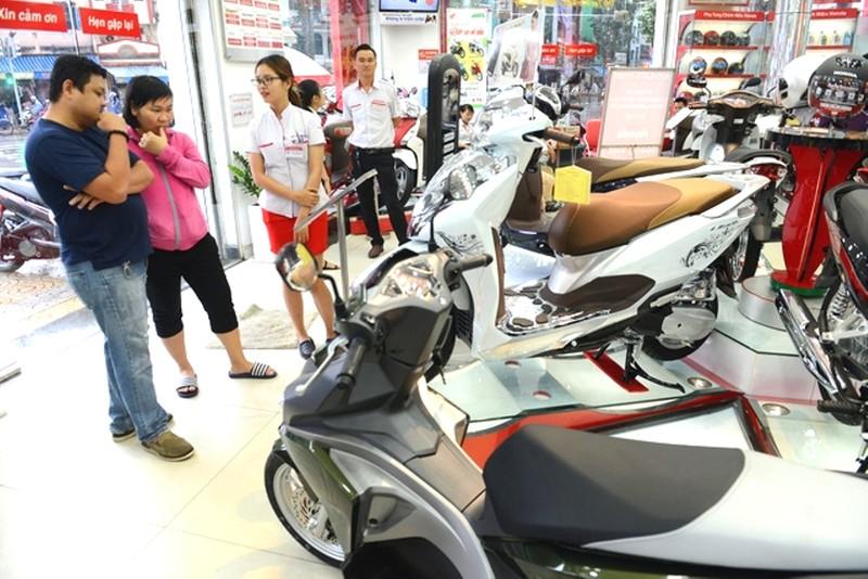 Thích đi ô tô, người Việt vẫn ầm ầm mua gần 2,5 triệu xe máy - ảnh 2
