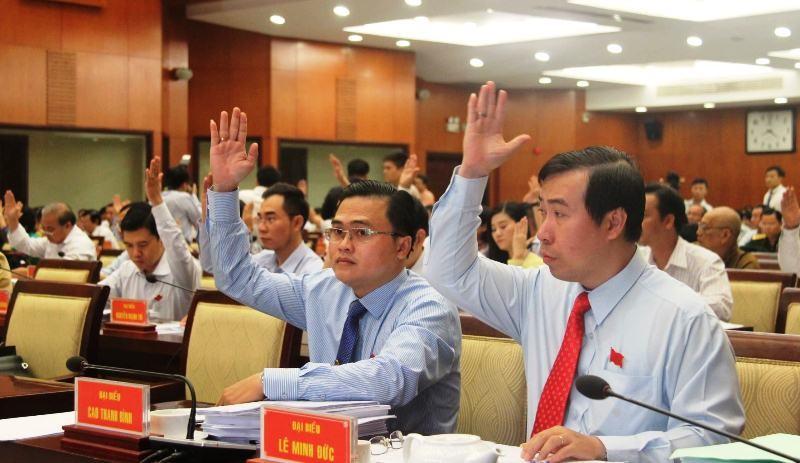 TP.HCM lên đề án tăng thu nhập cho cán bộ  - ảnh 1