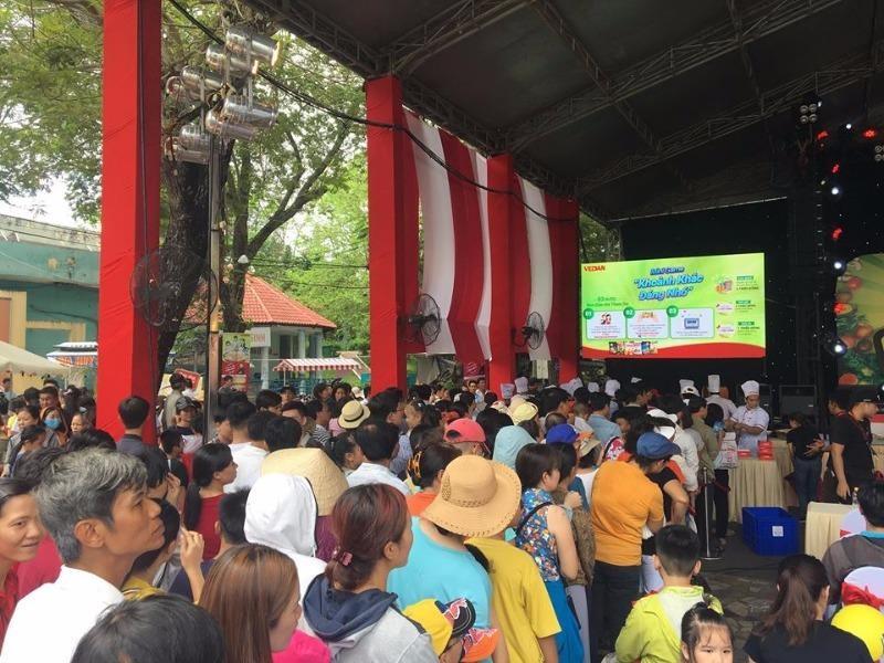 TP.HCM: Xác lập kỷ lục chảo cơm chiên lớn nhất Việt Nam - ảnh 2