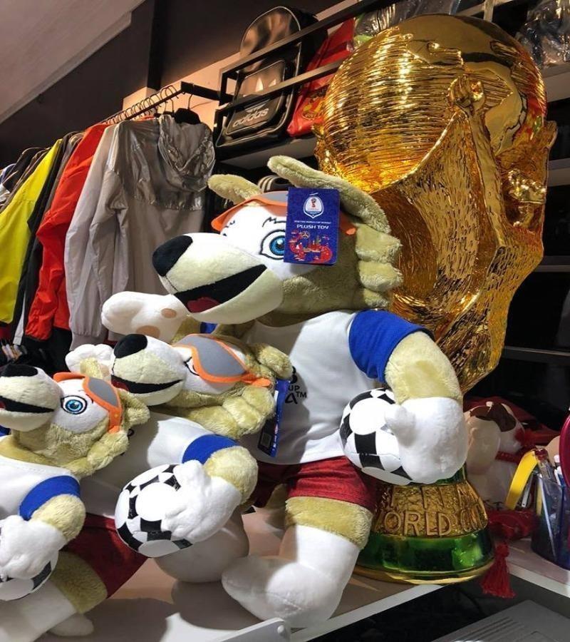 Linh vật Zabivaka, linh vật World Cup... hút khách - ảnh 1