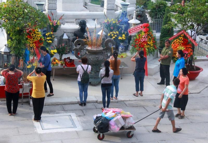 Cận cảnh chợ Bình Tây ngày chính thức hoạt động trở lại - ảnh 9