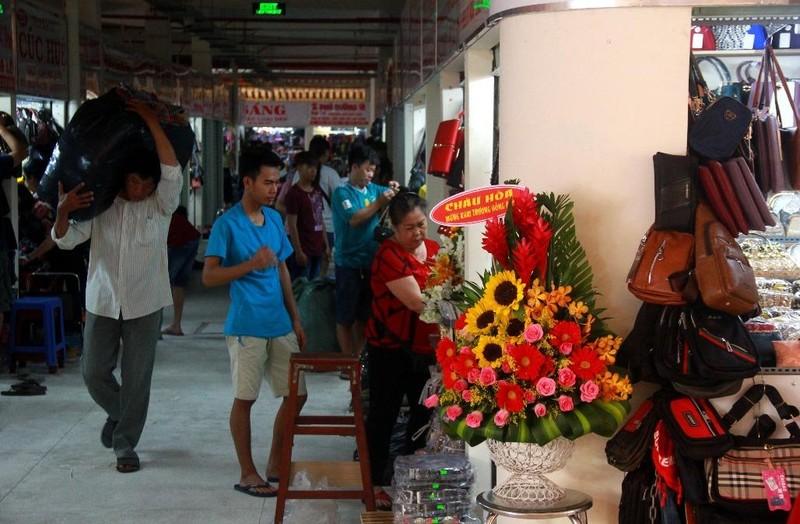 Cận cảnh chợ Bình Tây ngày chính thức hoạt động trở lại - ảnh 2