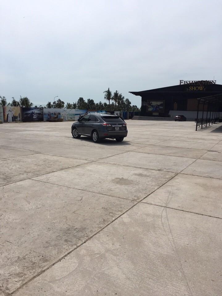 Nhóm đi xe Lexus gắn bảng 'Công an đang bắn tốc độ' - ảnh 1
