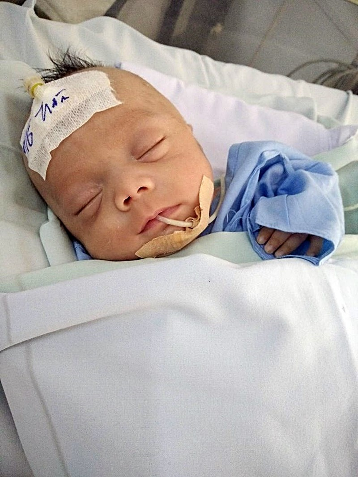 Chuyển bé gái bị bỏ rơi ở bệnh viện đến trại mồ côi - ảnh 1