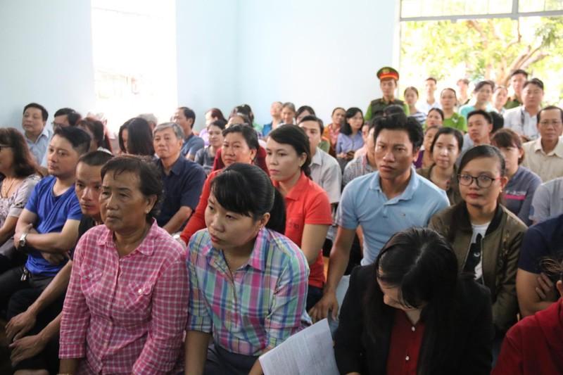 Phạt tù 7 bị cáo gây rối trước trụ sở UBND tỉnh Bình Thuận - ảnh 1