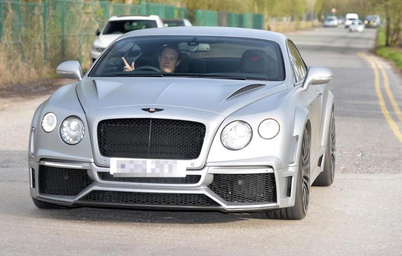 Sao MU đâm vào siêu xe 200.000 bảng Anh của đồng đội - ảnh 2
